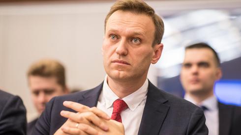 В аэропорт Омска прилетел самолет из Германии за Навальным