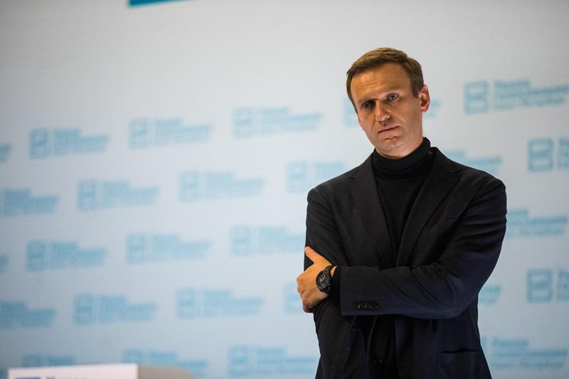 За Навальным отправят самолет из Германии, но врачи из Омска говорят, чт...