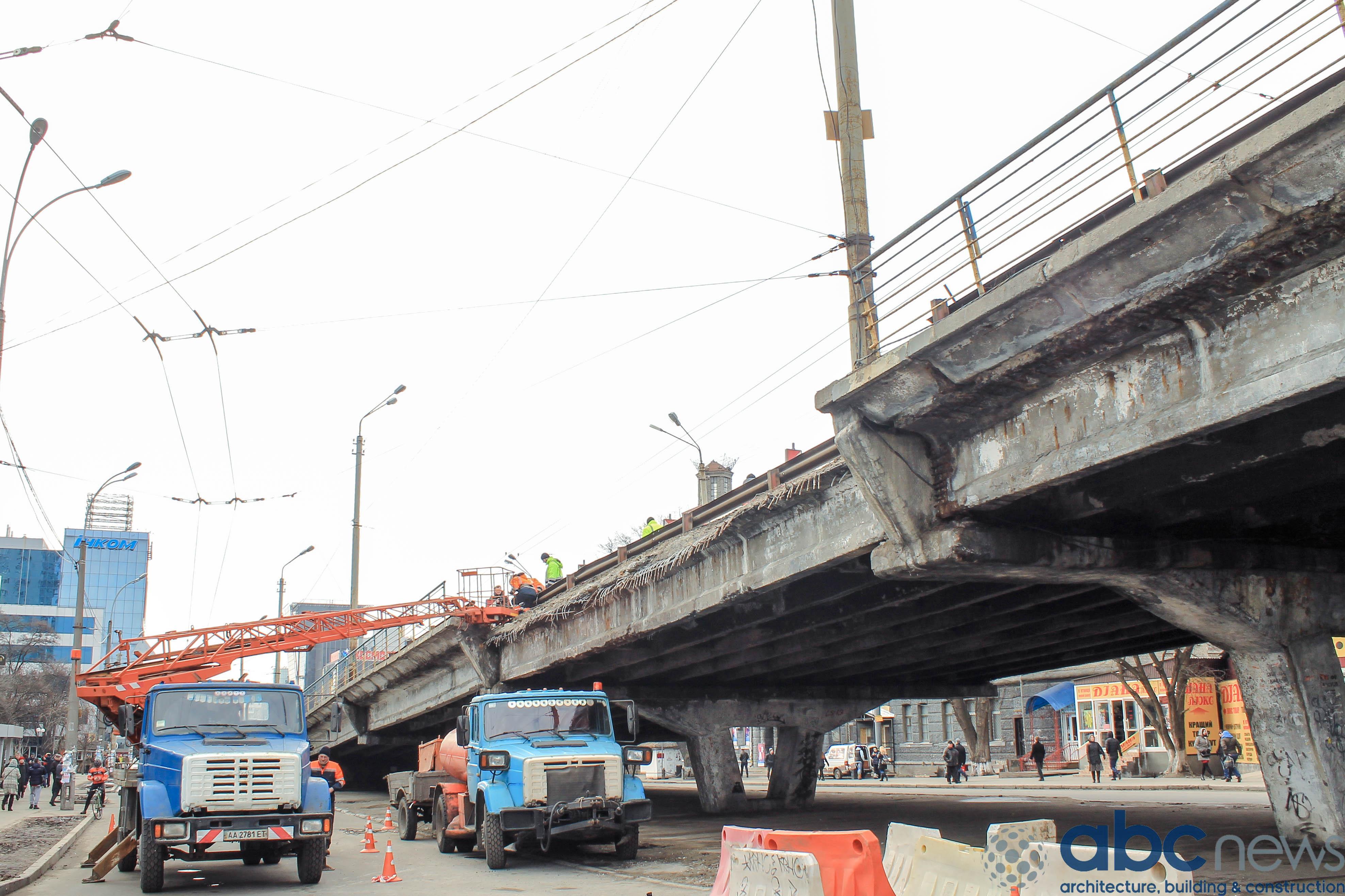 КГГА планирует начать реконструкцию Шулявского путепровода в конце 2017...