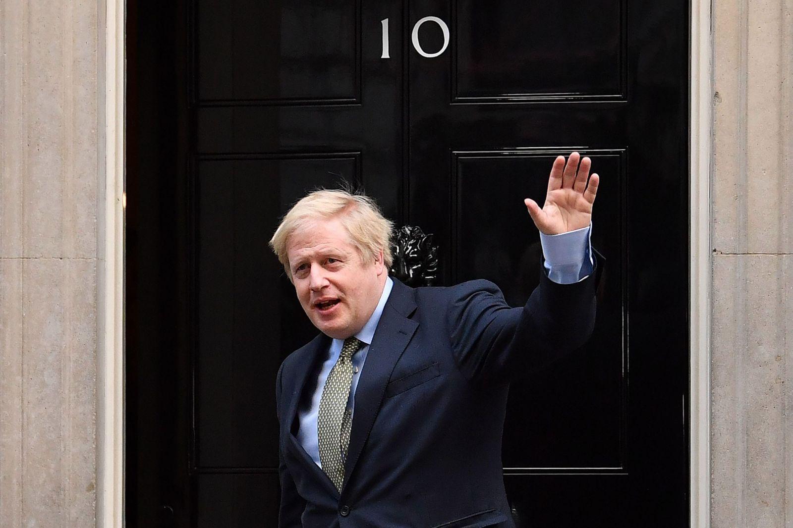 """""""Рвется в бой"""". Премьер Британии возвращается на работу после COVID-19"""