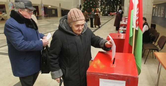 ЦИК Беларуси впервые в истории продлил время голосования
