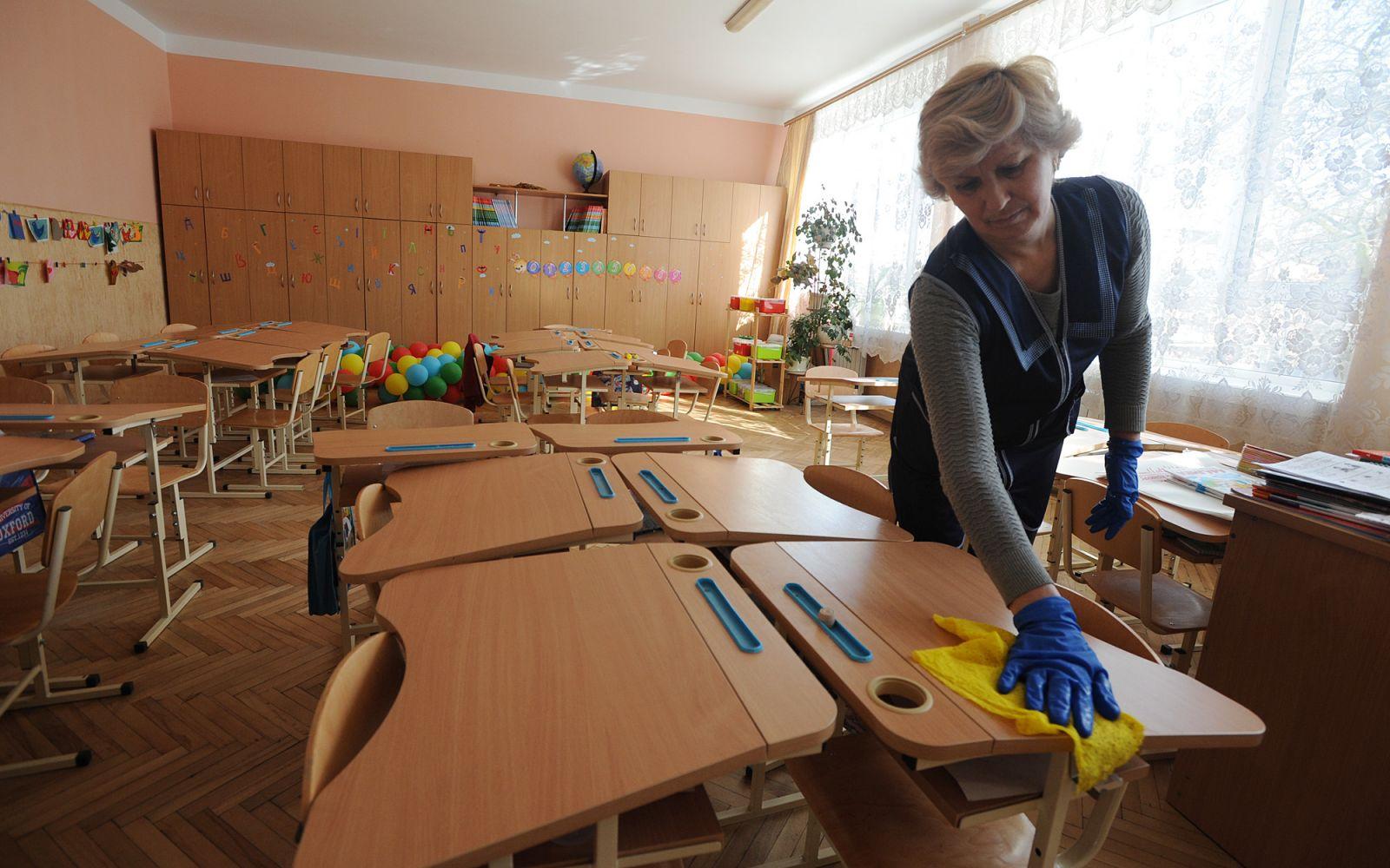 В Киеве закрыли школу на карантин из-за COVID-19 у педагогов