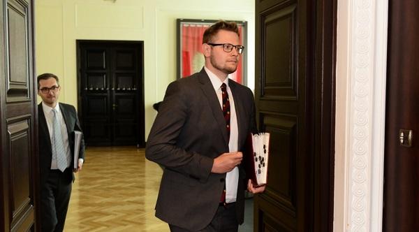 Польский министр по гуманитарным вопросам на следующей неделе посетит До...
