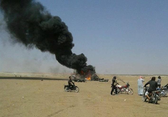 В Сирии на город возле места крушения вертолета РФ сбросили контейнеры с...