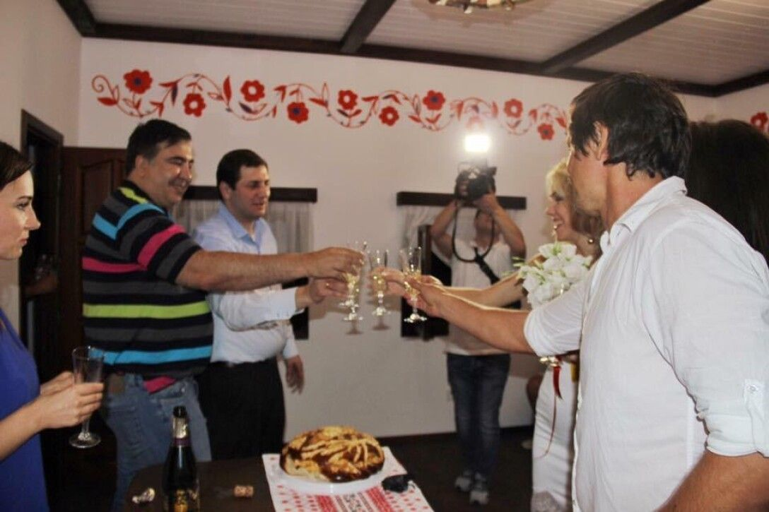 домик бракосочетаний, Михаил Саакашвили