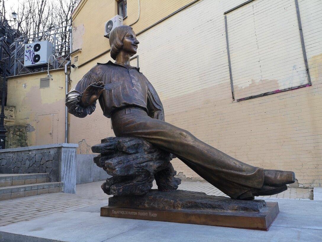 Николай Гоголь, памятник, писатель, Киев, Подол, Андреевский спуск
