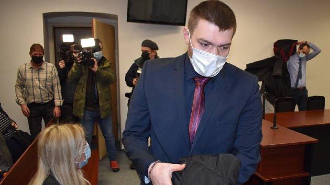 Чистил у боевиков на Донбассе картошку и туалеты: в Чехии наемника осудили  на 20 лет (фото)