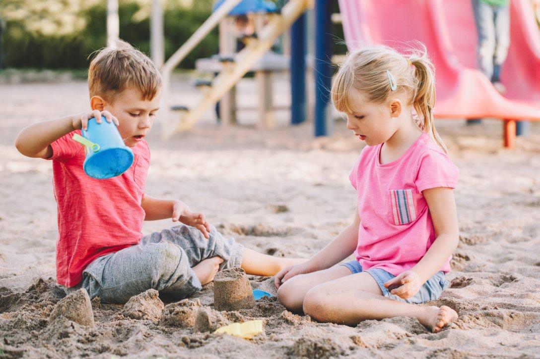 Для детей начало учебного года в школе может быть немного сложным в эмоциональном плане. После активного лета и отдыха, необходимо время для адаптации.