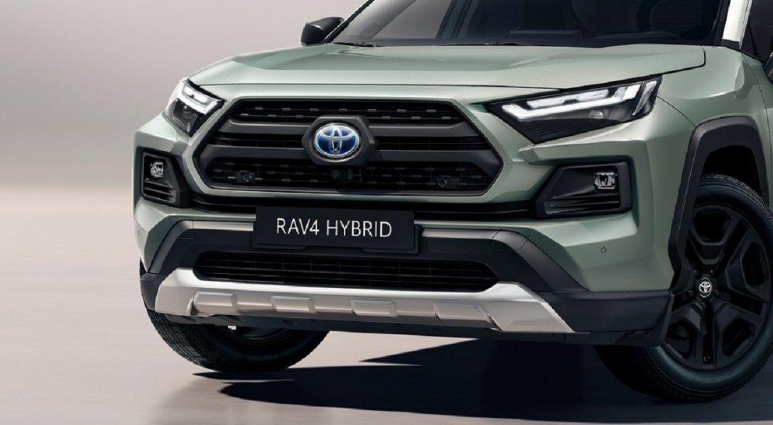 обновленная внешность Toyota RAV4 2022, новый бампер, новая решетка радиатора, новые фары