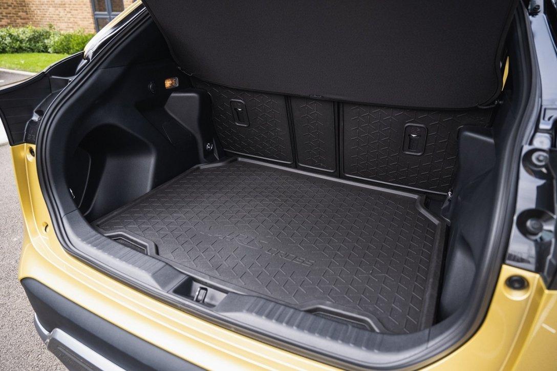 Новый Toyota Yaris Cross, багажник