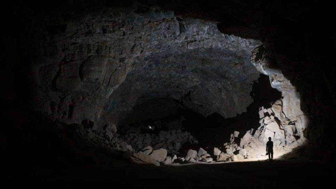 Пещера Умм-Джирсан, саудовская аравия, пещера костей, кости, гиены