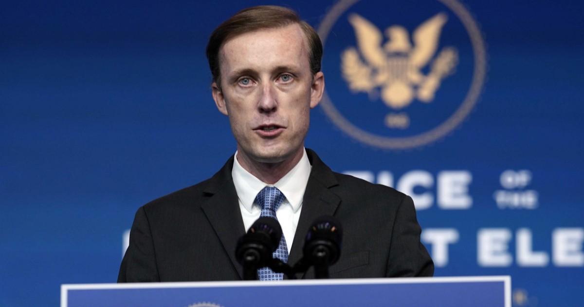 США пригрозили Китаю изоляцией при отказе участвовать в расследовании появления коронавируса
