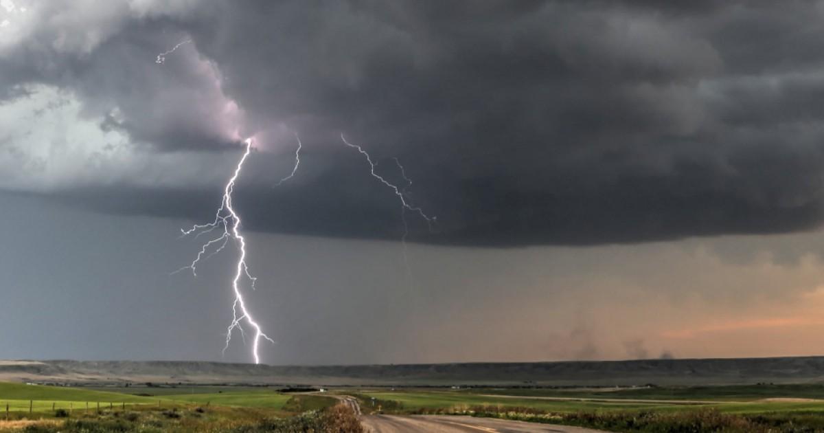 Бури и аномальная жара: синоптики напугали прогнозом погоды на июль