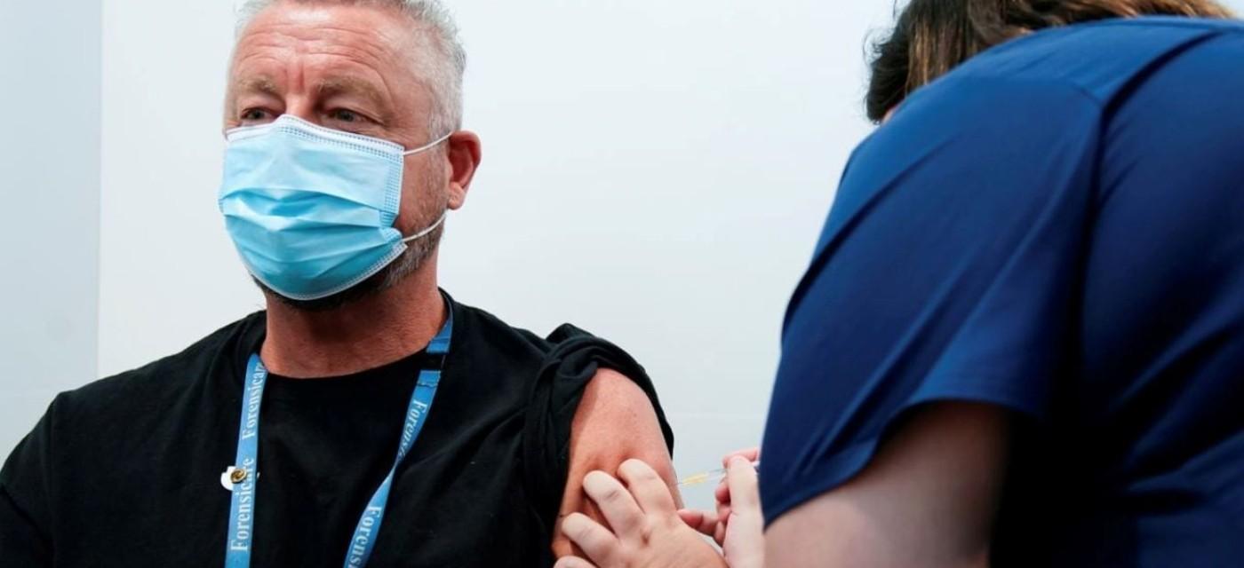 укол вакцины от коронавируса