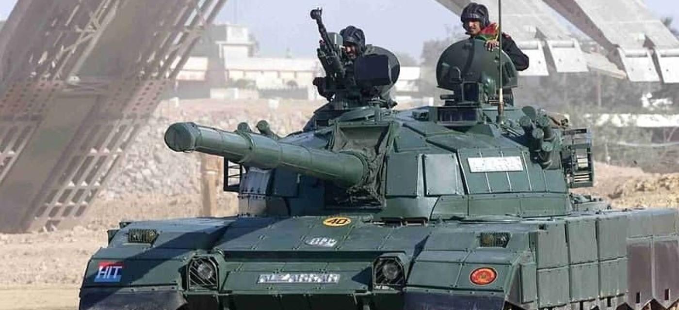 военные на танке, пакистан, индия