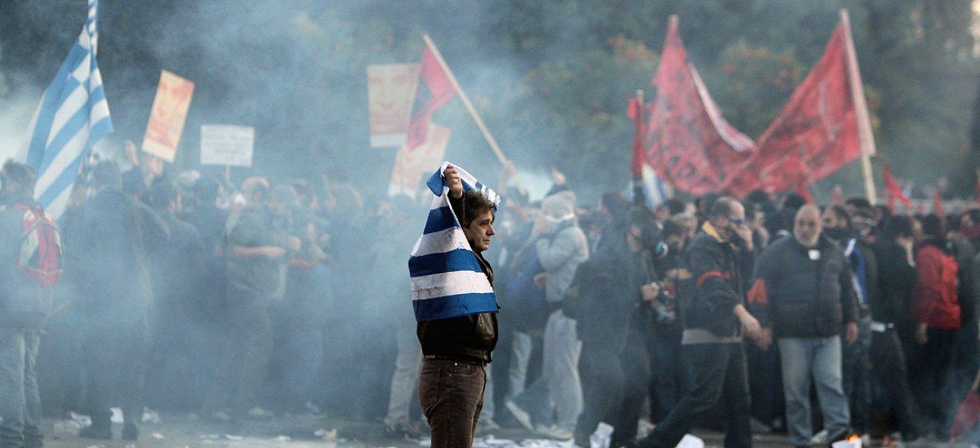 Деонстрация поклонников левопопулистской греческой партии СИРИЗА / фото AP
