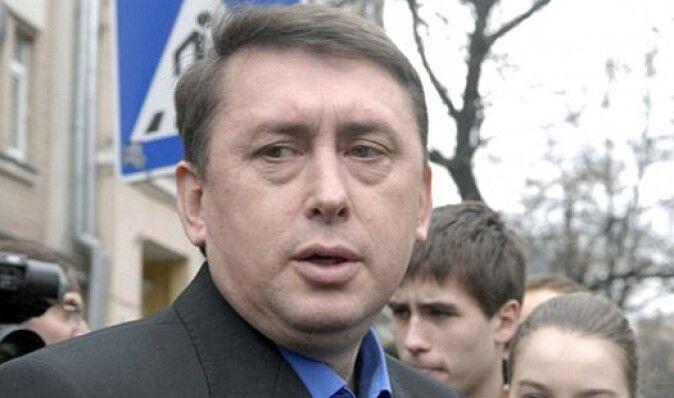 Мельниченко госпитализирован со сломанной рукой, - адвокат