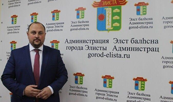 """В Калмыкии проходят массовые акции против экс-главы """"ДНР"""", который стал мэром Элисты"""