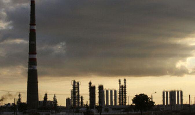Нефтяные бароны вынесли спор о бензине на суд Путина - Reuters