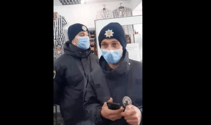 """Предприниматель в """"красных"""" Черновцах прогнала полицейских, пришедших с проверкой (видео)"""