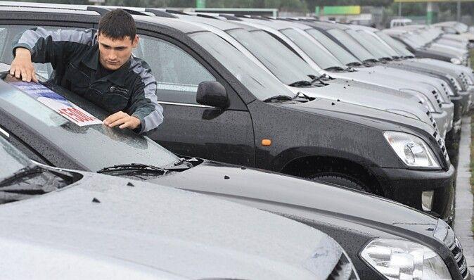 Гонка продолжается. Украинцы опустошили склады автомобильных дилеров