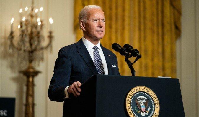 Байден уже рассматривает варианты более жестких санкций США против России, — Bloomberg