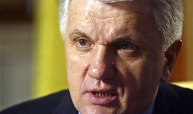 Литвин подписал решение ВР об отмене законопроекта о клевете