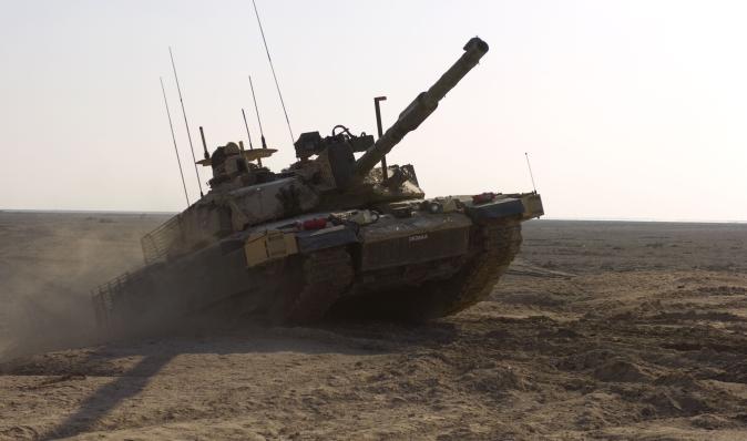 """""""Переберуть кожен гвинтик"""": Великобританія почала модернізацію танків Challenger 2 (фото)"""