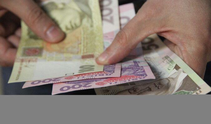 Все выше и выше. Как банки намерены привлекать деньги украинцев