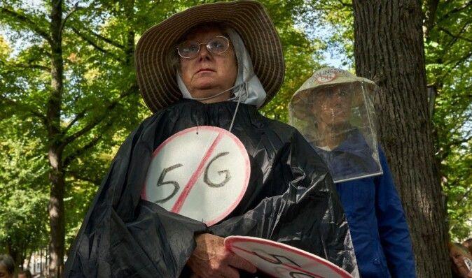 Дон Кихоты-2020: местные власти в регионах Украины сражаются с вышками 5G