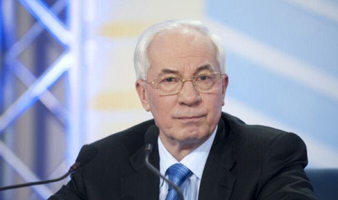 Азаров не прокомментировал миллионный госдолг за ремонт львовских дорог перед Евро-2012