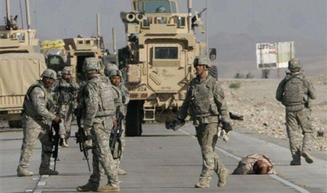 Американские военные в Афганистане уничтожают военную технику и продают как металлолом