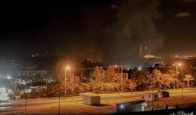 """""""Ответ на огненный террор"""": Израиль снова наносит удары по объектам ХАМАС в Секторе Газа (видео)"""