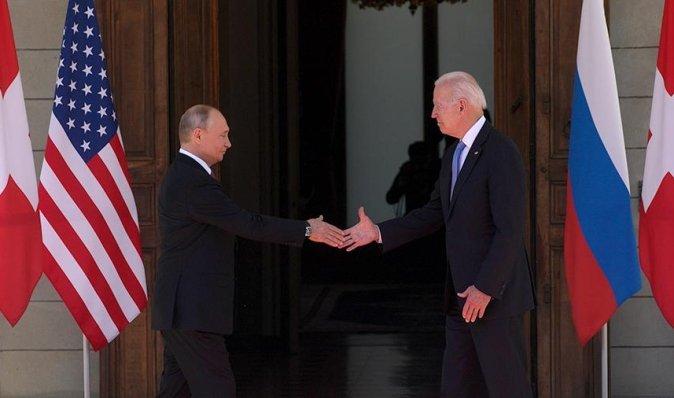 Через 4 дні після зустрічі з Путіним: у Байдена оголосили про нові санкції проти Росії