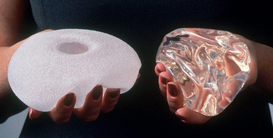 силиконовые импланты, женщина, руки, фото