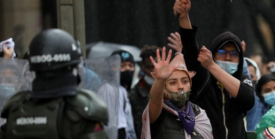 Колумбия, Протесты, Экспорт кофе, Блокирование дорог, Роберто Велес