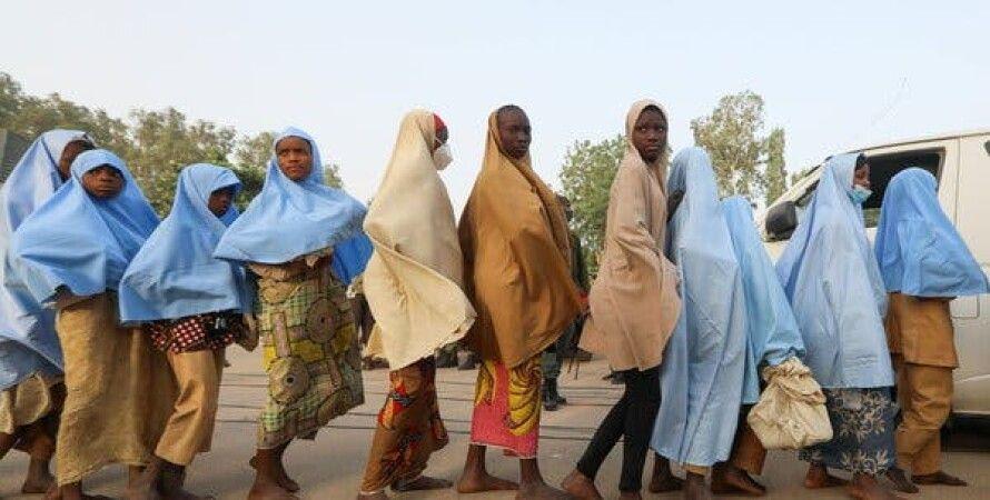 Нигерия, Школьницы, Школа, Выкуп, Вооруженные люди, Похищение людей, Мохаммаду Бухари, Матавалле
