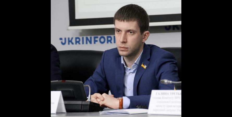 Олег Арсенюк, слуга народа, черкассы, ресторан в черкассах, драка в ресторане, требовал продолжения банкета, нардеп, драка с нардепом