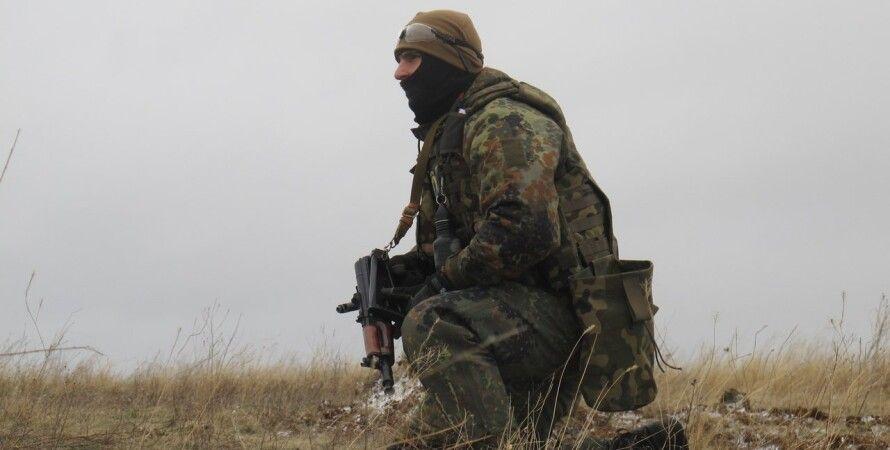 """Боец АТО в Донбассе / Фото пресс-центра полка """"Азов"""""""