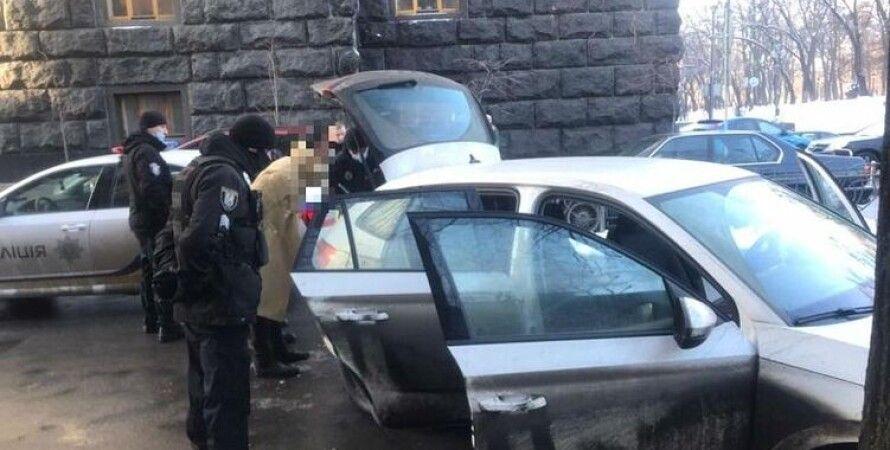 затримання поліцією, чоловік в урядовому кварталі, поліція, київ, затримання у києві