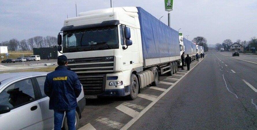 Блокада российских грузовиков на дорогах Украины / Фото: svoboda.org.ua