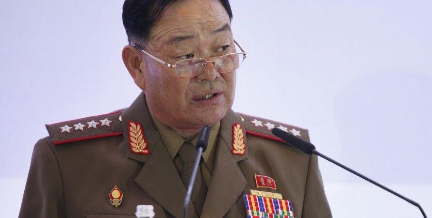 Хин Ен Чхоль, казненный за сон на военном параде