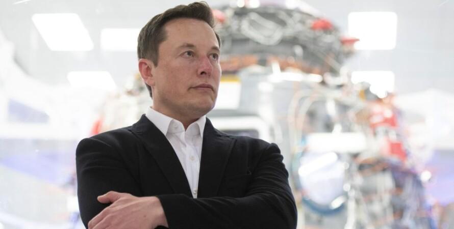 Ілон Маск, політ на Місяць, SpaceX