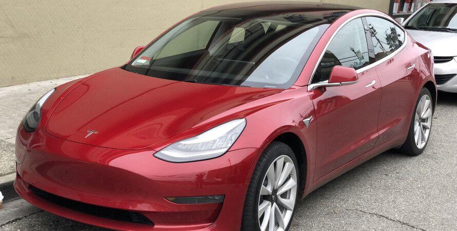 Илон Маск, Тим Кук, Купля-продажа, Tesla, Apple