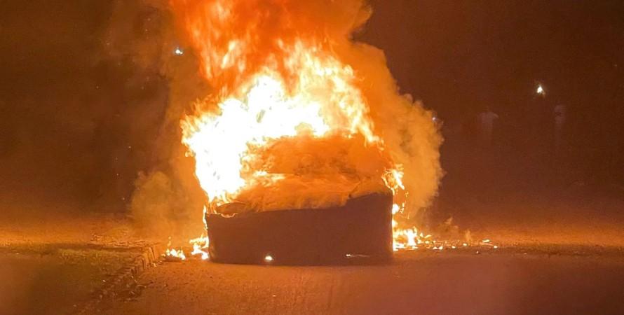 Tesla Model S Plaid сгорела в США