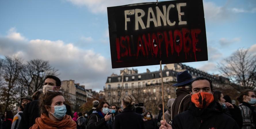 франція, ісламофобія, протести