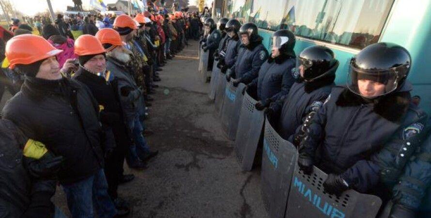 """""""Автомайдановцы"""" в Межигорье / Фото: AFP"""