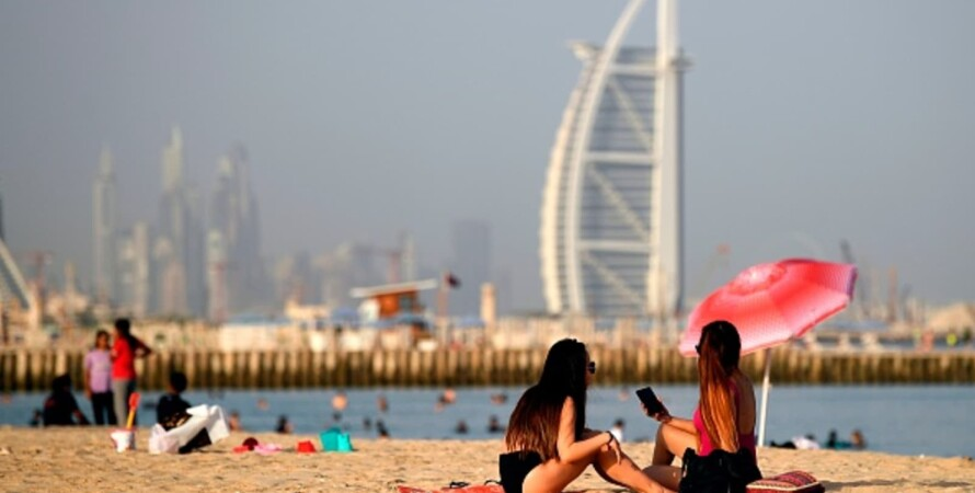 Дубаи, ОАЭ, ругательства, тюремный срок