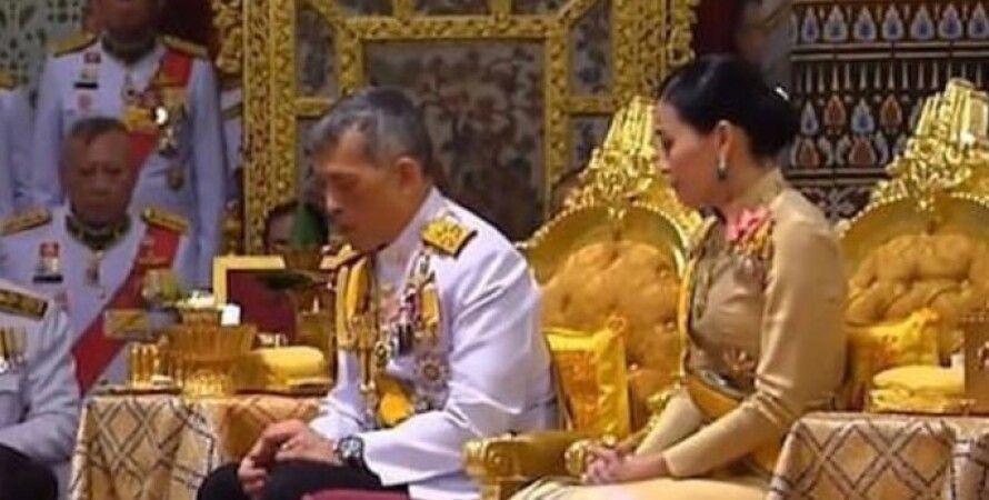 Маха Вачіралонгкорн, Король Таїланду, королева, Сутхіда Вачіралонгкорн, Сінінат Вонгваджірапакді