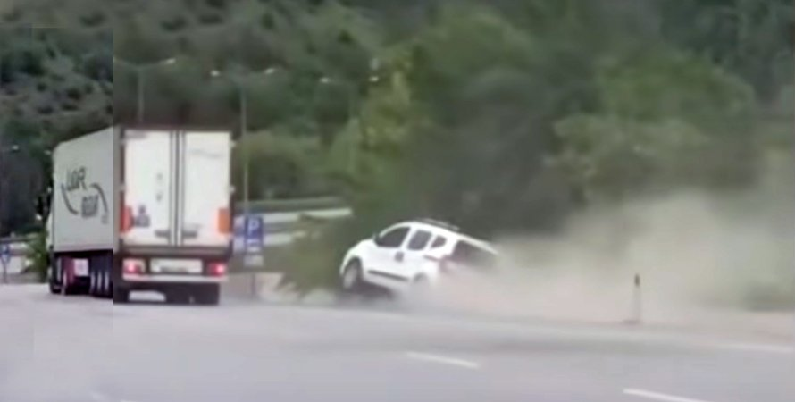 авария на дороге в Турции
